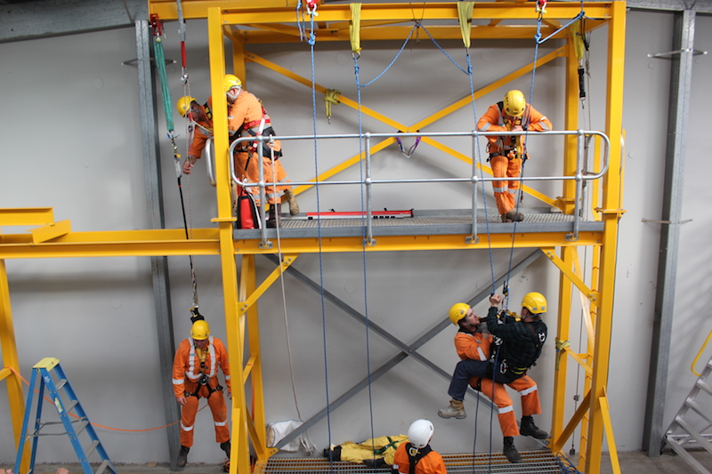VERTICAL RESCUE TRAINING